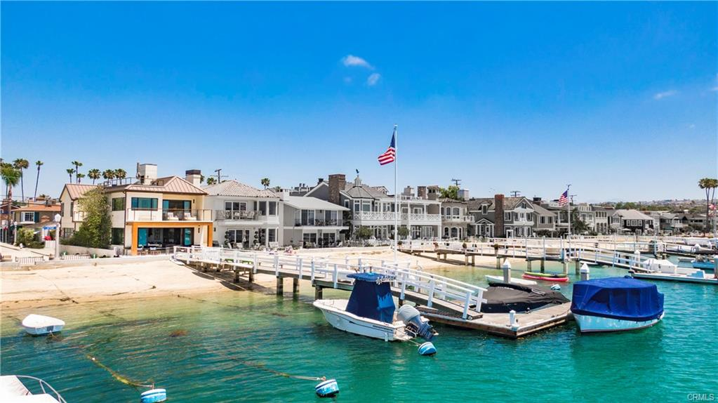 1100 S Bay Front on Balboa Island Home For Sale